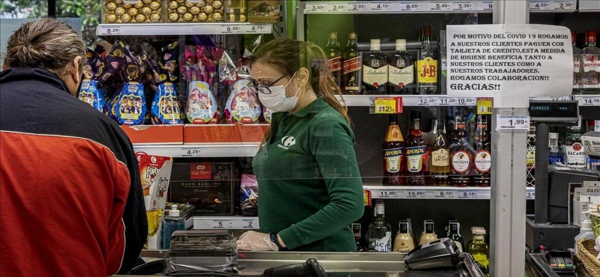 Carrefour trae nuevas ofertas de empleo para auxiliares en septiembre